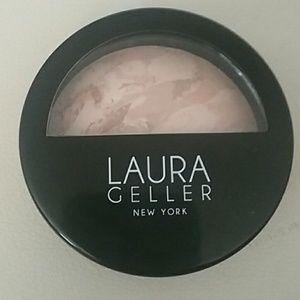 Laura Geller Illuminating Foundation